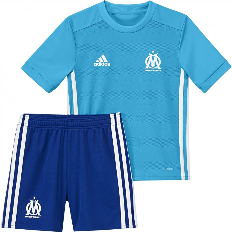 ensemble de foot OM de foot