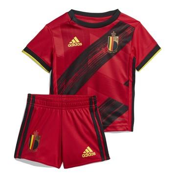 Tenue bébé Belgique domicile 2020