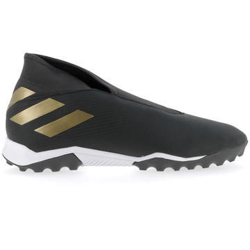 Nemeziz 19.3 LaceLess Turf noir or