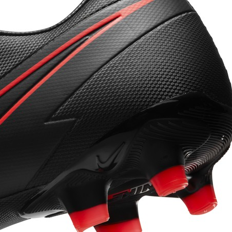 Nike Mercurial Vapor XIII Academy FG/MG noir rouge