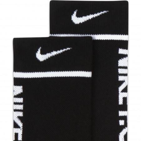 Lot 2 paires chaussettes Nike F.C. Essential noir blanc