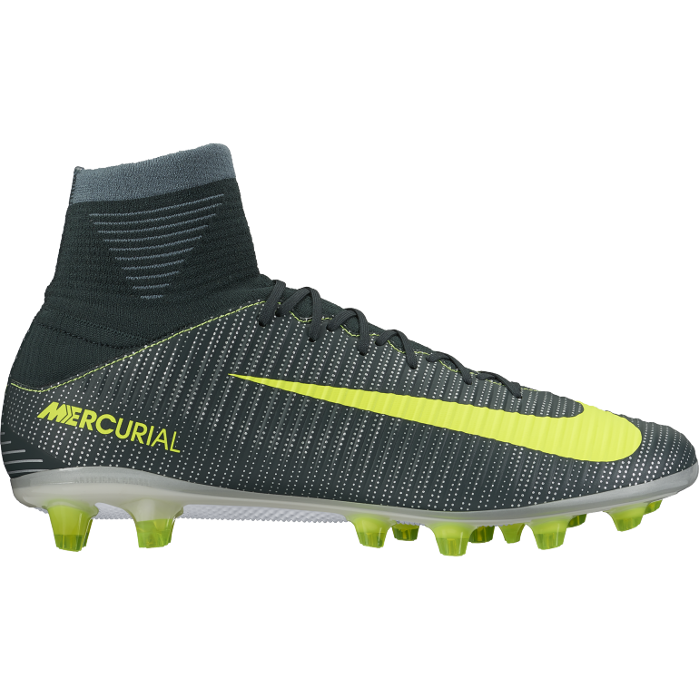 Mercurial Veloce III Dynamic Fit CR7 AG PRO